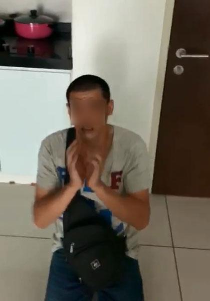 窃贼吓得跪地求饶。