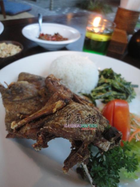 脆皮鸭是肮脏鸭餐厅必吃的王牌鸭。