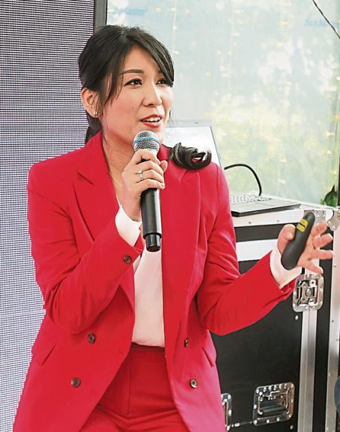 陈秋潓分享公司文化和使命。