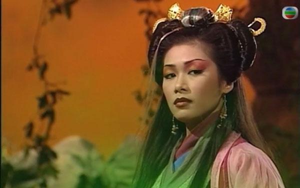 张慧仪在《西游记1&2》单元中饰演妖精,知名度大增。