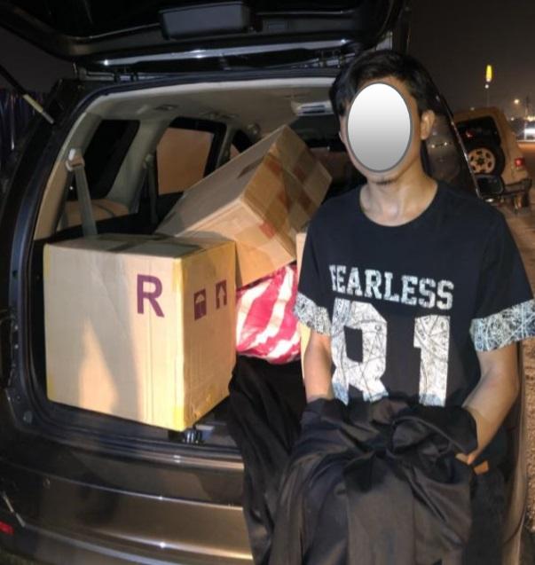 普通行动部队当场逮捕一名26岁的印尼籍外劳。