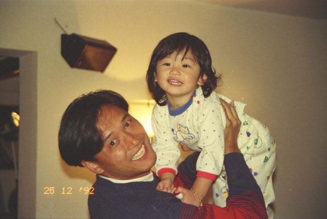 小時候的苗彤精靈可愛。