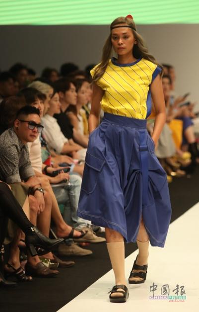 鲜黄与IT蓝的出色配搭,如果没有优质布料当作基底,便衬托不出颜色的生动。
