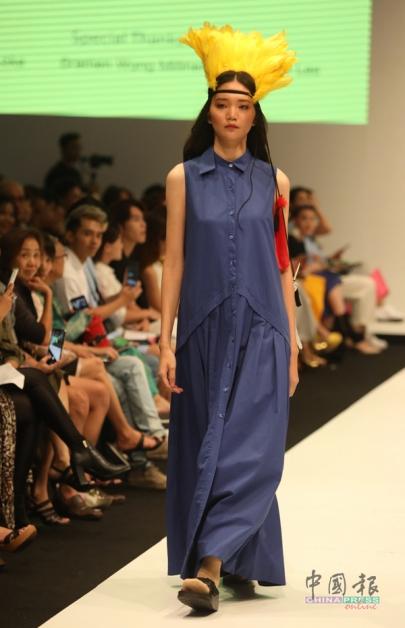 看似简约设计的连身裙,但是细看可窥探出个中细节。