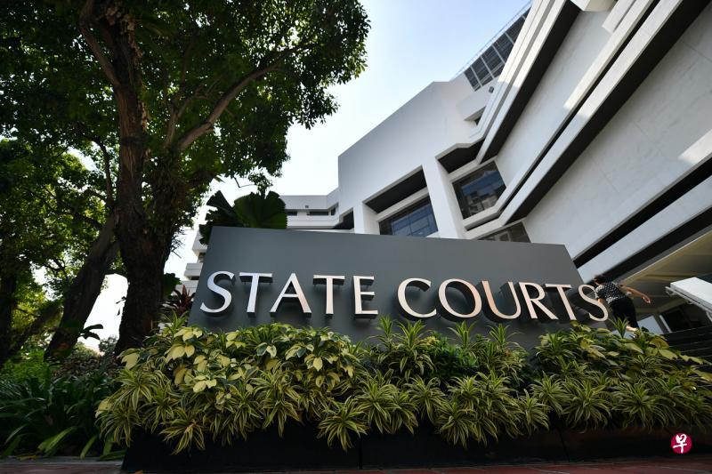 遇害两岁半女童的亲生父母今早在新加坡国家法院面控。(档案照)