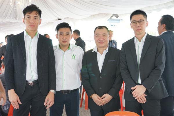 Ecobio Pack私人有限公司总经理谢胜元(左起)、首席顾问林思宏和嘉宾合照。