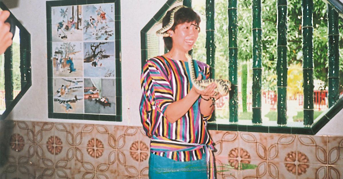 因为羽球,韩爱萍多次前来马来西亚,并曾在槟城蛇庙留下俪影。