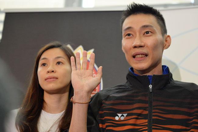 黄妙珠出席李宗伟宣布退役的特别记者会,给予夫君最直接的支持。
