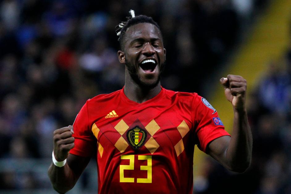 比利时前锋巴舒亚伊射门得逞,最终助队取得胜利。(法新社)