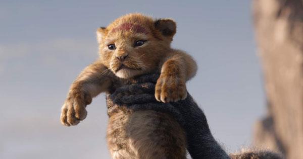《狮子王》在画面上神还原动画版,音乐呈现则强差人意。