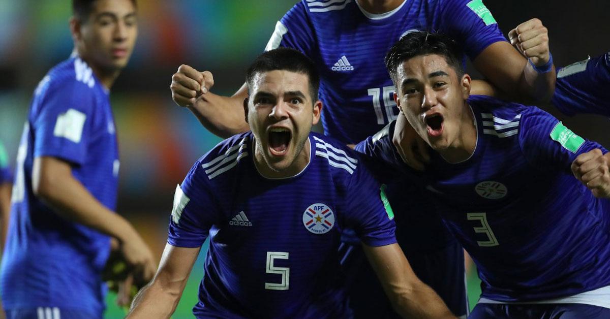 巴拉圭队员庆祝挑战阿根廷晋8强。(FIFA官网图片)