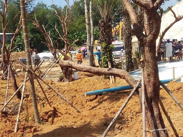 救援单位在挖掘。