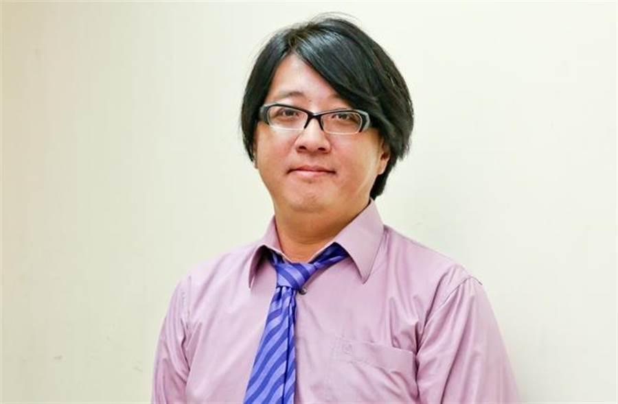 袁惟仁去年10月在上海因不慎跌倒,引发脑溢血昏迷,再经过紧急开刀后,目前复健中。