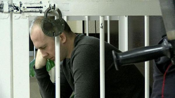 卡扎哥夫被拘留,面临起诉。