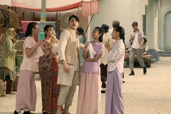 吴慷仁对剧中的服装设计和布质赞不绝口。