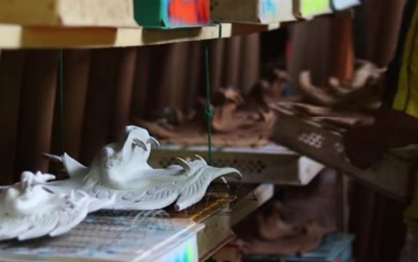 """配合1208""""小feel文创市集7@武吉不兰律"""",武吉不兰律百吉龙香行将准备30个龙头及30个黏粉板让与会者上色和进行龙头制作。"""