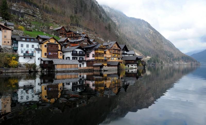 哈尔施塔特为知名观光景点,每年有超过100万名游客造访。(欧新社)