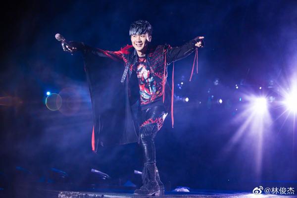 林俊杰再三强调自己把歌迷当成家人来看待。