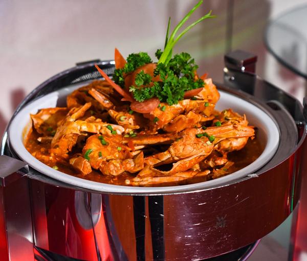 主廚親自調味的辣炒花蟹,絕對不用擔心太辣而無法下嚥。