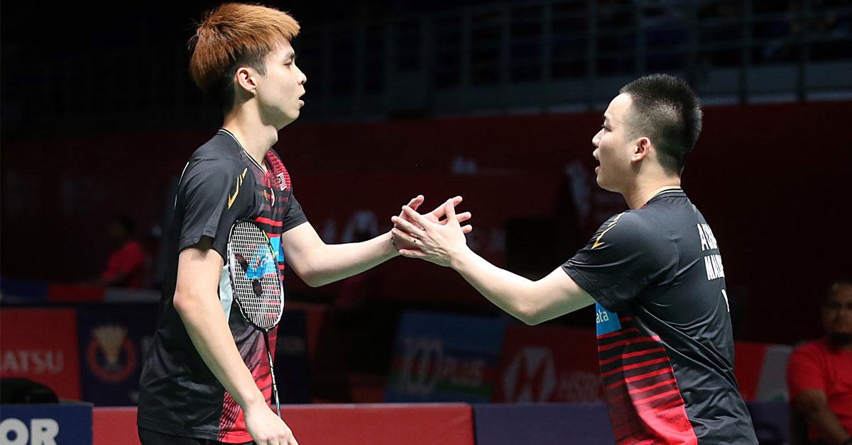 谢定峰(右)与苏伟译赢得内战,得以进军4强。