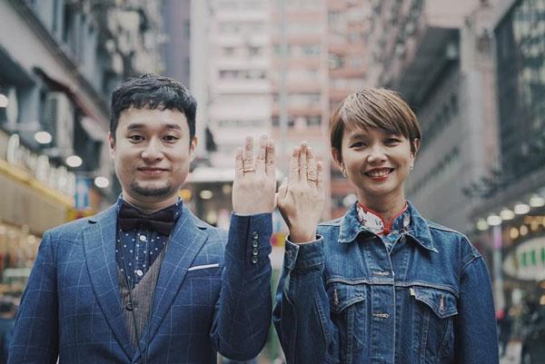 陈慧恬与香港摄影师李嘉华相恋2年,今在香港注册结婚。