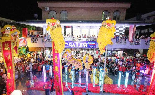 沙林茶店20年来,每年农历新年都带来精彩舞狮表演,成为本地不少民众过年必备活动。