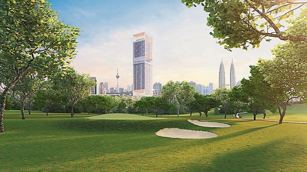 高尔夫爱好者可以在附近的高尔夫球场享受这项运动。