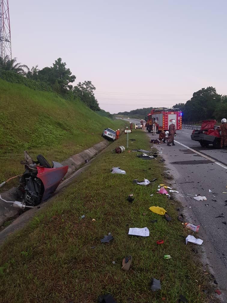 肇祸宝腾赛佳轿车的车头被撞至抛入大道旁的沟渠。