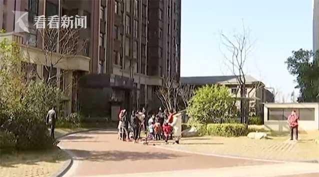 夫妻吵架闹跳楼失手,4岁宝宝14楼坠亡