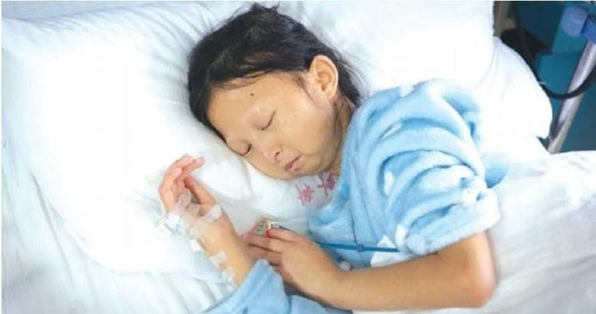 吴花燕因心脏问题住院。