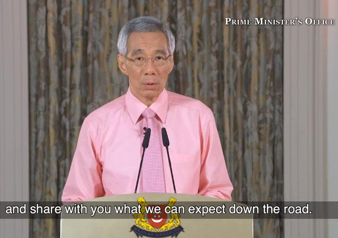 李显龙透过各媒体平台,向新加坡国民汇报政府应对疫情最新情况。