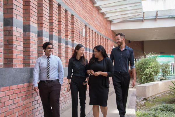 科廷大学马来西亚分校让学生在国内接受优质的升学教育。