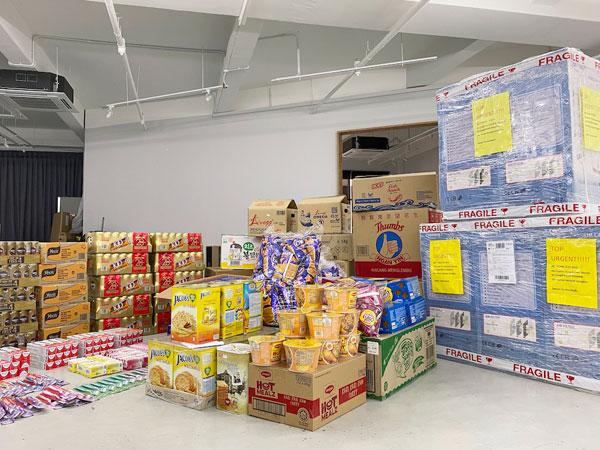 娜塔莉所捐出的善款,用来购买干粮、饮料等物资,供前线医护人员使用。(图取自Sugarbook)