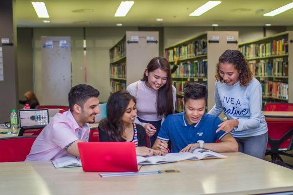 目前有来自世界各地逾50个国家的学生在科廷大学大马分校求学。