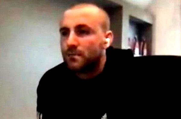 卢克肖也剃了光头。