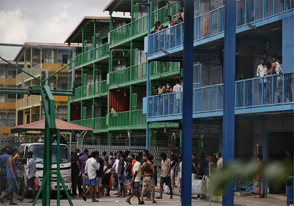 成为最大客工感染群的榜鹅S11外籍客工宿舍。(海峡时报)