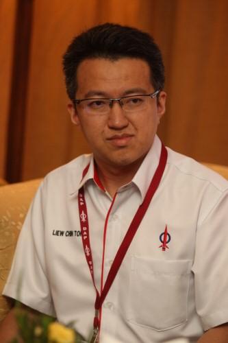 刘镇东(档案照)