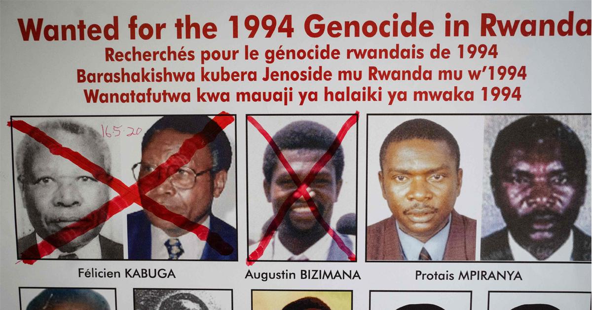 卡布加(左)早前被捕,比齐马纳20年前已过世,2人人头照都被麦克笔打叉。(法新社)