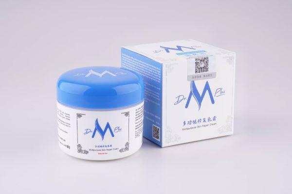 全新面貌的Dr M Plus多功能修复乳霜。
