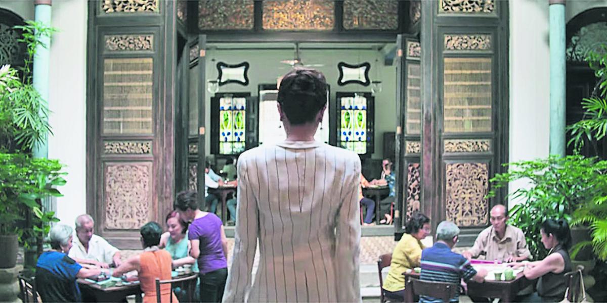 """《疯狂亚洲富豪》中,最经典的婆媳打麻将过招的地点,是槟城的""""张弼士故居""""。(《疯狂亚洲富豪》剧照)"""