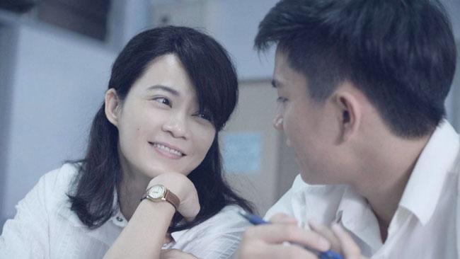 杨雁雁拿下《青年电影手册》女演员奖后,透过影片发表得奖感言。