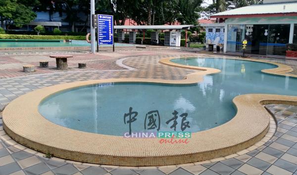 行动管制令期间,泳池也定期清洗,确保水质乾净。