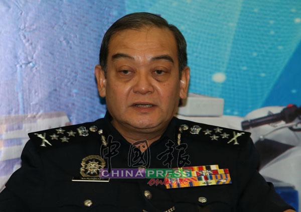 马玆兰指警方将持续展开突击行动,检查各界是否遵守社交距离。