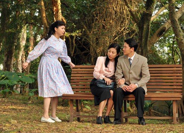 雪娥(周宥伶饰)每次见到丰奇(黄文星饰)总是一头热的想扑上去,没想到丰奇只钟情于个性含蓄又独立自主的刘淑庄。