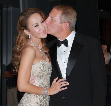 李玟和老公Bruce结婚9年,突传出婚变消息。(网络)