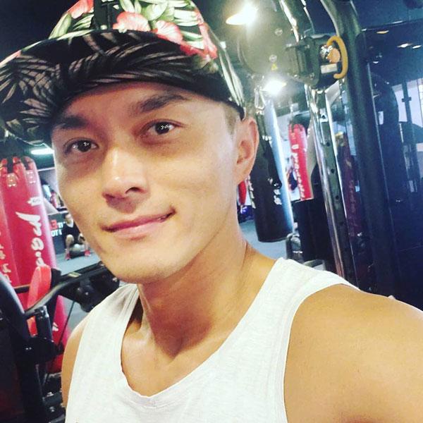 杨明曾经涉嫌袭击、刑事毁坏罪行。