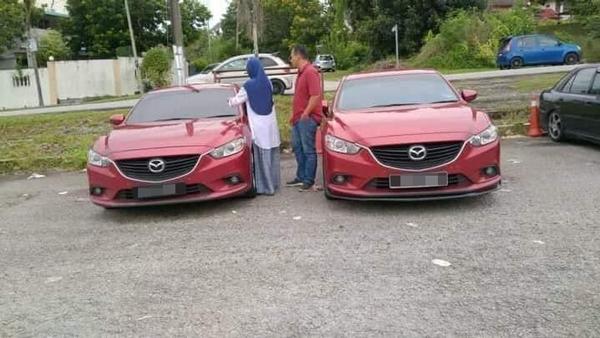 左边车辆是事主轿车,右边车辆经警方调查后,证实是失车。