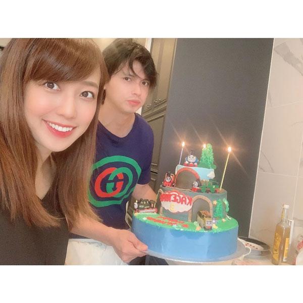 Alexander與川崎希結婚後竟辭掉工作,在家當起吃軟飯的小白臉。