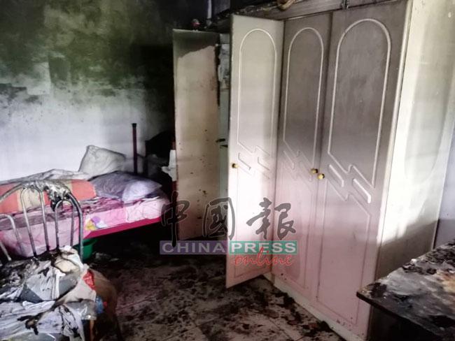 卧房遭波及,家具被破坏。