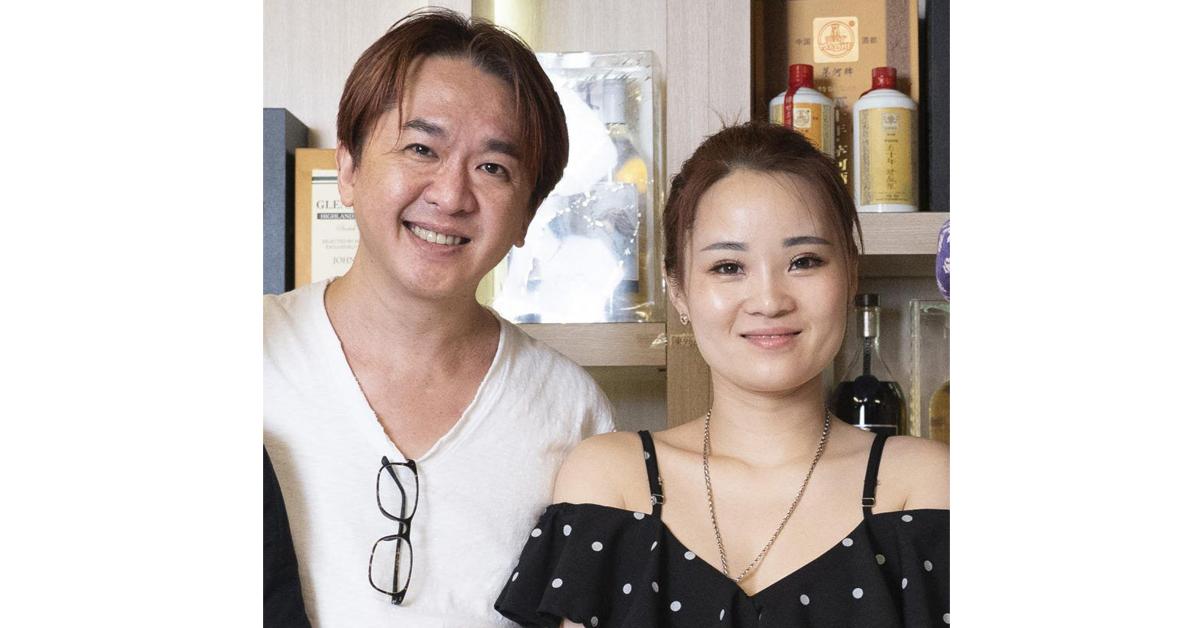 """""""新三奶""""陈小姐育有一名10多岁的女儿,但邓兆尊不介意,还对其女儿疼爱有加。"""